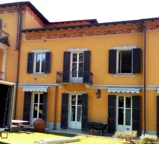 restauro-persiane-legno-laccato-villa