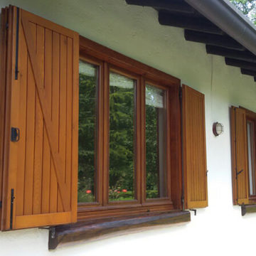 Manutenzione e Restauro di infissi in legno, porte e persiane